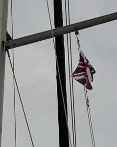 Union Jack unter der Saling