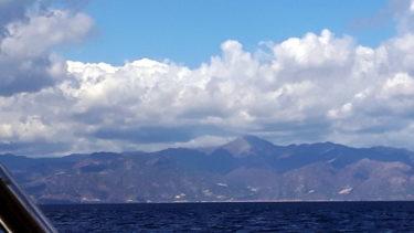 Aetna von der Straße von Messina aus