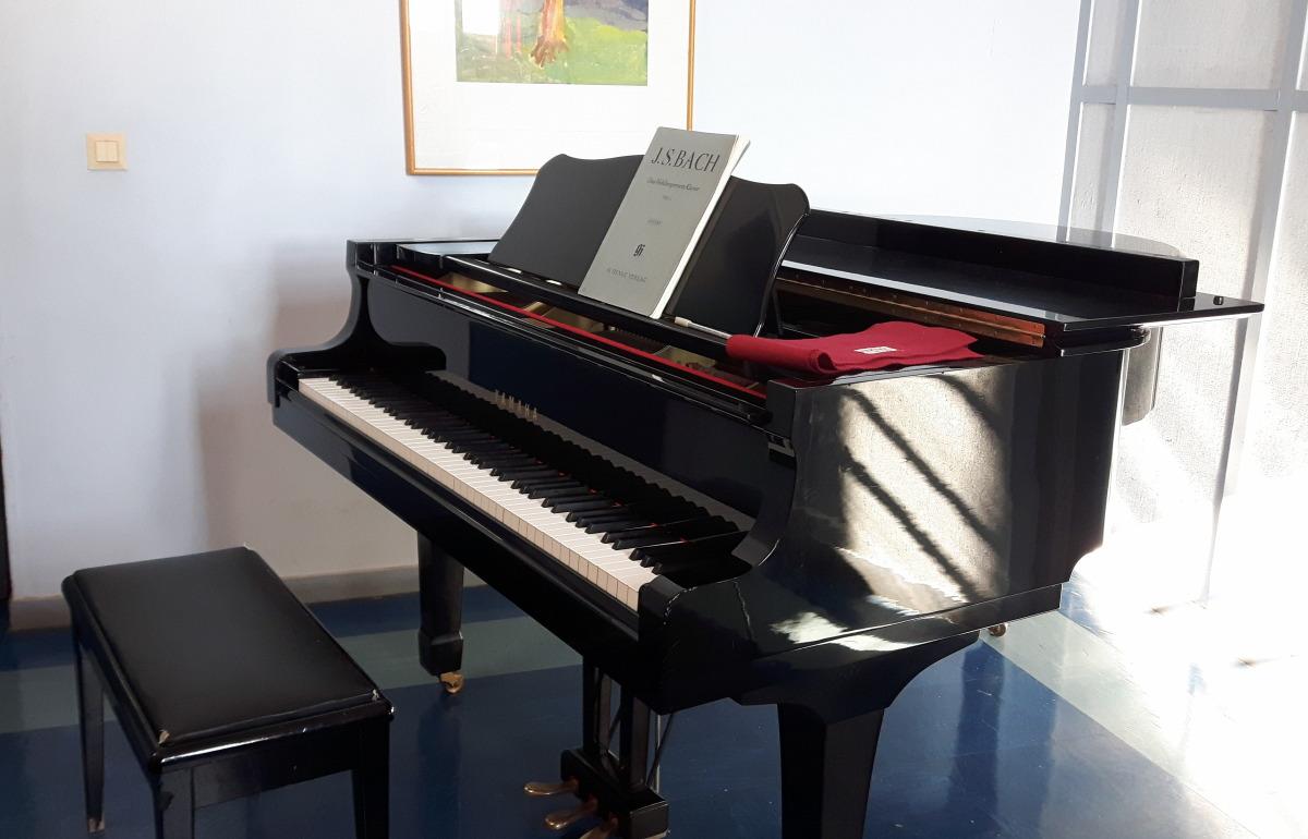 Flügel Musikschule Kalamata