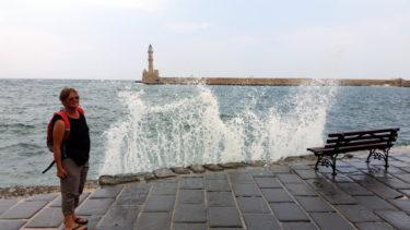 Gischt im Hafen von Chania