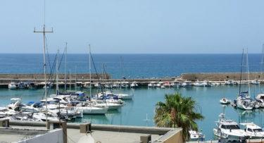 Hafenmauer vom venezianischen Hafen