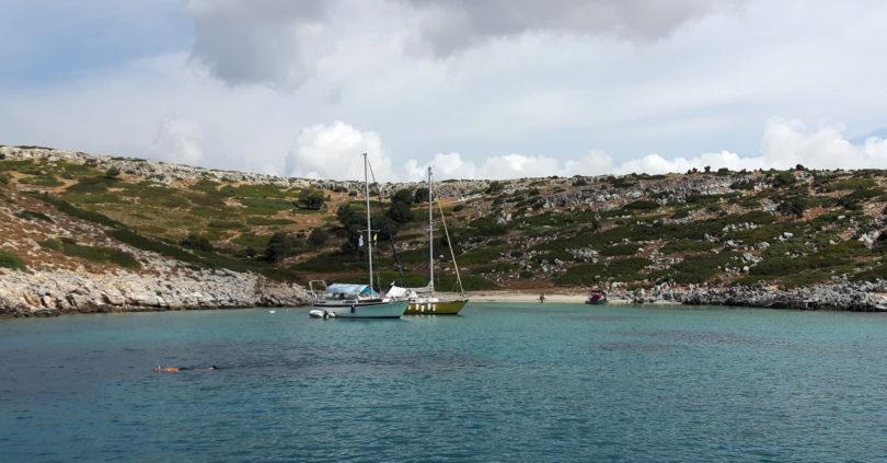 Glyfada-Bucht auf Sarakino