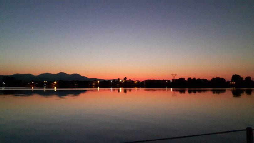 Morgendämmerung im Euriposkanal